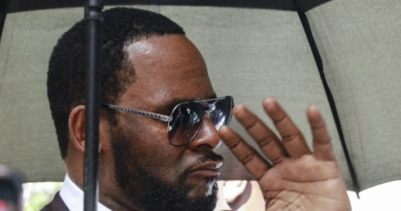 R. Kelly doesn't have freedom, money for this legal battle