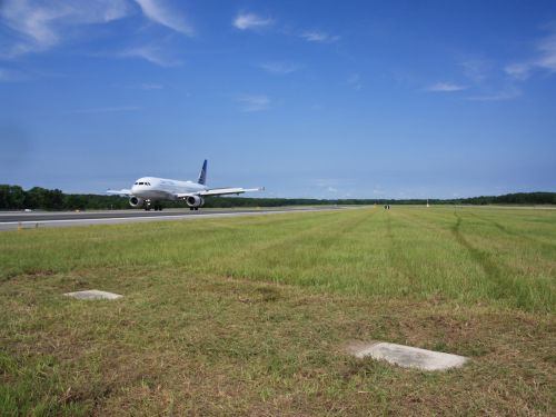2 people are buried on a runway at a major US airport where hundreds of planes land every day, and many people have no idea