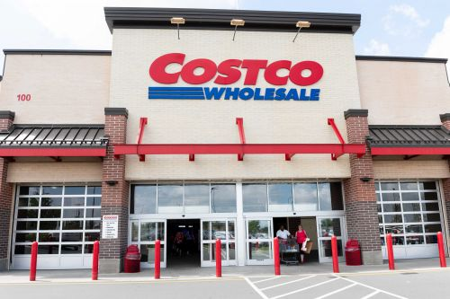 Woman pulled machete in fight over Costco parking spot, police say