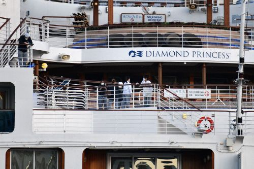 The final guests just left the coronavirus-struck cruise ship Diamond Princess after 39 days, but hundreds of crew are still on board