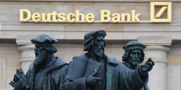 Deutsche Bank bosses mulled UBS merger scenario - report