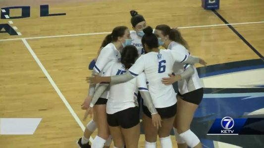 Creighton volleyball wins season opener against UNO