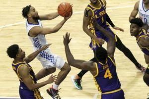 Brooks, Boston help Kentucky beat LSU 82-69, end 3-game skid