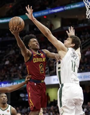 Sexton's 25 leads Cavs over bruised, Giannis-less Bucks