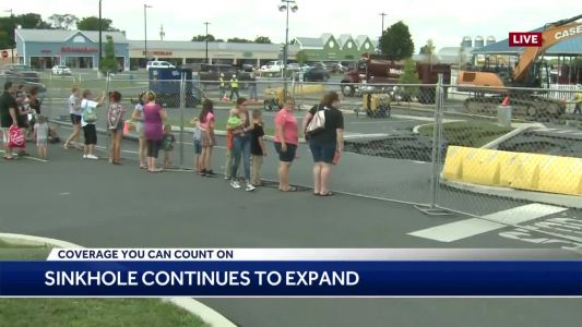 Tanger Outlets sinkhole drawing a crowd