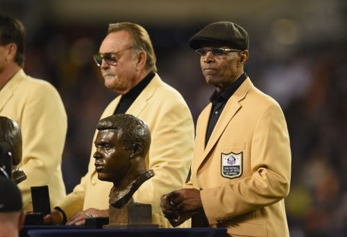 Bears legend Gale Sayers has died at 77