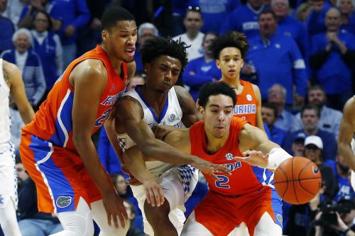 Quickley's 26 points lift No. 10 Kentucky past Florida 65-59