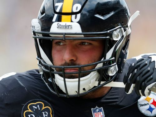 Steelers lineman and Army veteran who stood by himself for the anthem explains how the incident happened, apologizes for 'ordeal'