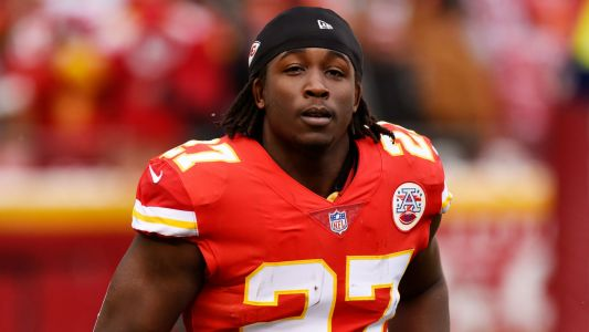 Browns' Kareem Hunt to get baptized amid suspension to 'feel reborn'