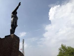 Saluting statue to be removed from Amsterdam Olympic Stadium