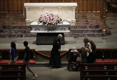 Mourners gather to say final farewell to former First Lady Barbara Bush
