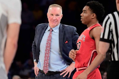 Emotional 8 days steeled Chris Mullin for NCAA Tournament