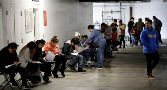Jobless claims continue to soar in New Jersey, with 215K filed last week