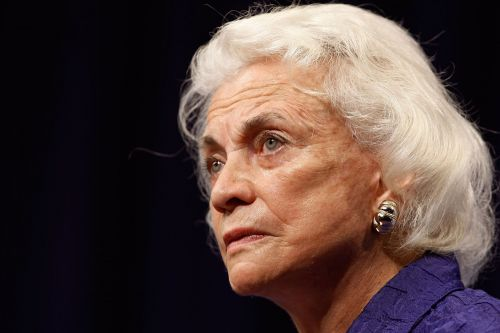 Retired Supreme Court justice Sandra Day O'Connor has dementia