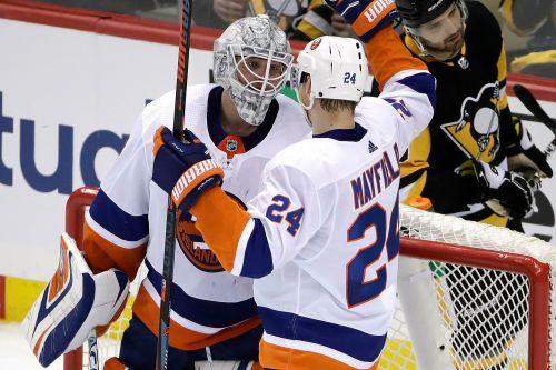 Silence around Lehner's future is good sound for Islanders