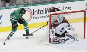 Kerfoot scores, assists on winner as Avs beat Stars 4-1