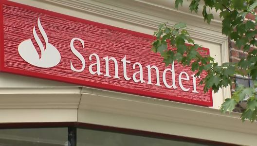 Santander apologizes to customers for 'technical issue' delaying electronic deposits