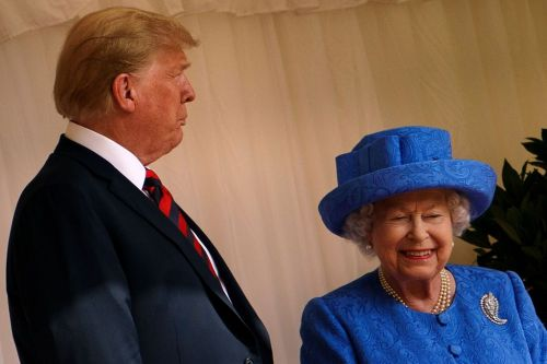 Queen Elizabeth Threw Some Obama Shade At Trump And We Love It