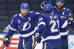 Photos: Chicago Blackhawks lose 5-1 to the Tampa Bay Lightning in their season opener