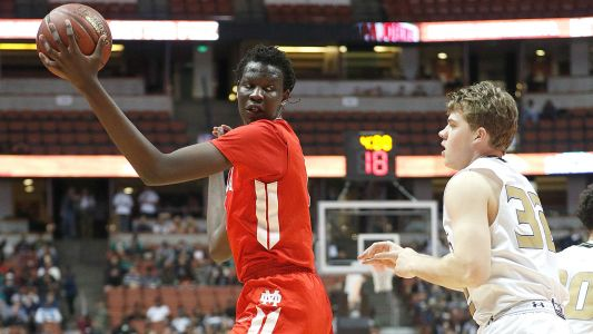 Oregon lands Manute Bol's 7-2 son, top center in class of 2018