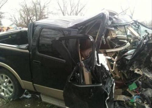 Wreck survivor credits use of seat belts