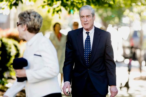 Robert Mueller hounded by MSNBC reporters after Easter service