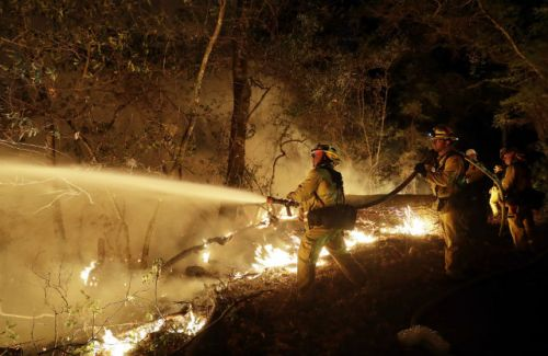 California wildfires cause $1 billion in damages, burn 7,000 buildings