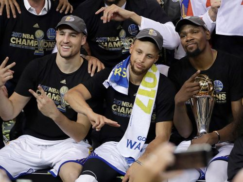 Trump attacks Stephen Curry, disinvites the Golden State Warriors from the White House in early morning tweet