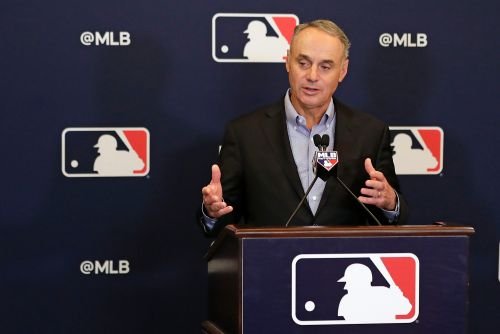 MLB set to crack down on sign stealing with new new rules