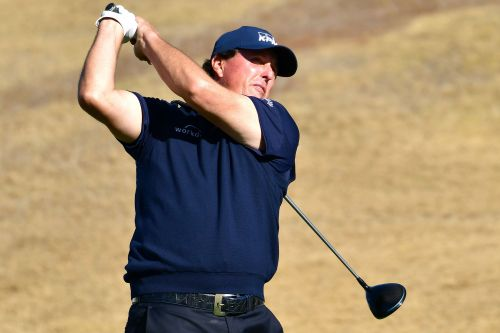 Phil Mickelson heading into final round with two-shot lead
