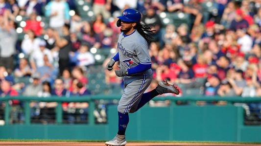 Freddy Galvis' barehanded catch and the other coolest things that happened in MLB on Saturday