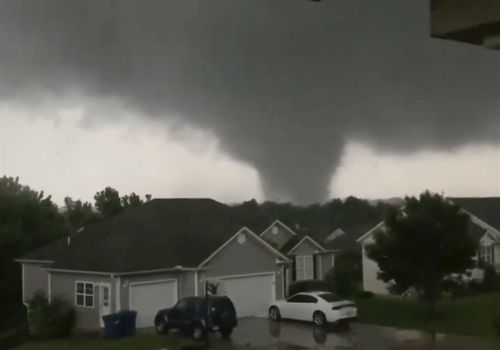 'Violent tornado' touches down in Missouri capital