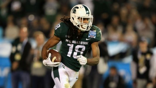 Michigan State WR Felton Davis III carted off field with apparent leg injury