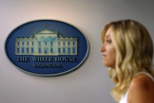 White House to require random coronavirus tests for its officials
