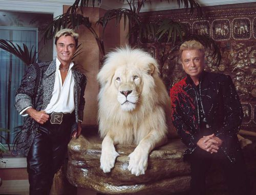 Legendary magician Siegfried Fischbacher, of Siegfried and Roy, dies of pancreatic cancer at 81