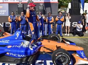 Dixon wins IndyCar race at Toronto for 3rd time