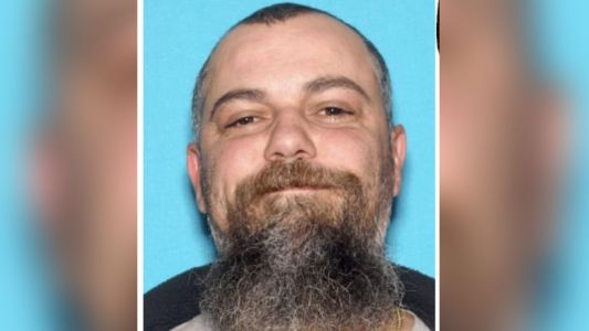 Officers search for suspect in Auburn car repair shop shooting