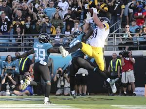 Steelers rally to stun Jaguars in final seconds, 20-16