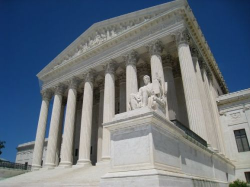 U.S. Supreme Court rules police need a warrant to obtain phone location data