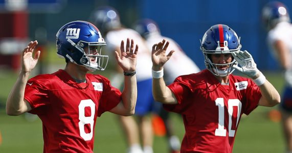Manning not worried about having Jones waiting in the wings