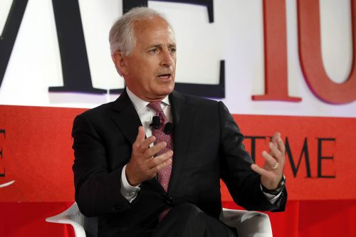 Bob Corker: Trump primary challenger would be 'good thing for our country'