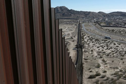 Pentagon authorizes $1B for Trump's border wall