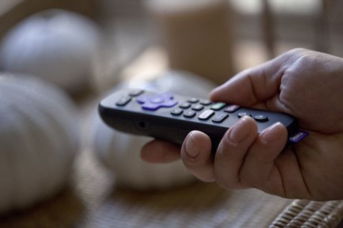How to pair a Roku remote that isn't pairing automatically
