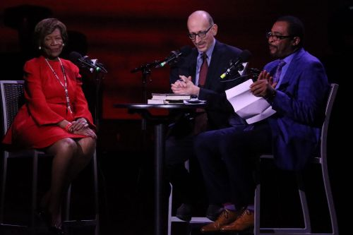 Civil rights heroes honored on eve of MLK Day at Apollo Theater