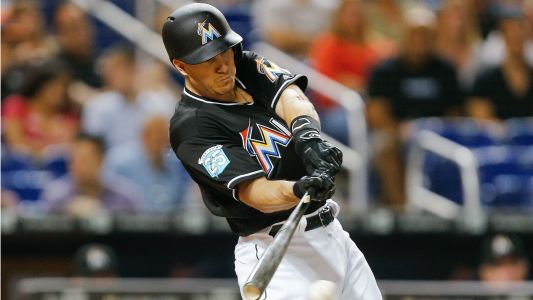 MLB trade rumors: Mets discussing acquiring J.T. Realmuto in 3-team deal that would include Yankees