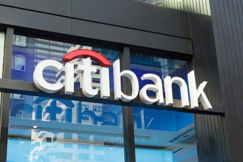 Louisiana bans Citigroup, Bank of America from bond sale