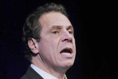 NY Gov. Cuomo's helicopter makes emergency landing