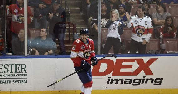 Huberdeau scores 2 as Panthers beat Sabres 4-2
