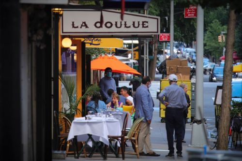 NYC's outdoor dining program will return next year