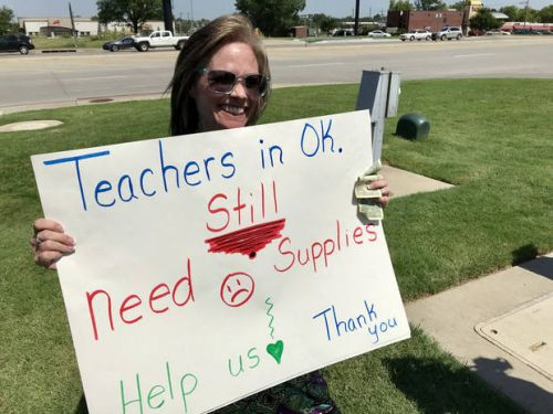 Oklahoma panhandling teacher returns 1 year later